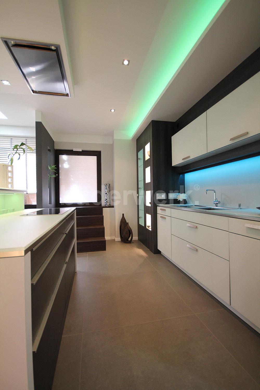 Küche in der Ausstellung Hamburg Sportallee